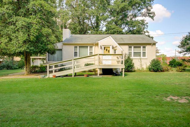 House of the Week: 2700 Rose Avenue