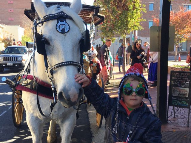Photos: Holiday Open House Weekend in Downtown Fredericksburg
