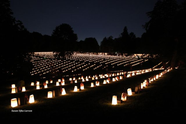 Thousands Attend 20th Annual Fredericksburg National Cemetery Luminaria