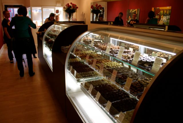 Sweets on Caroline Brings Specialty Confections to Fredericksburg
