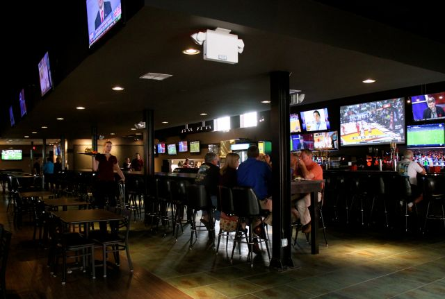 Jay's Downtown Sports Lounge Opens