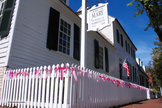 Mary Washington House Fence to Raise Breast Cancer Awareness