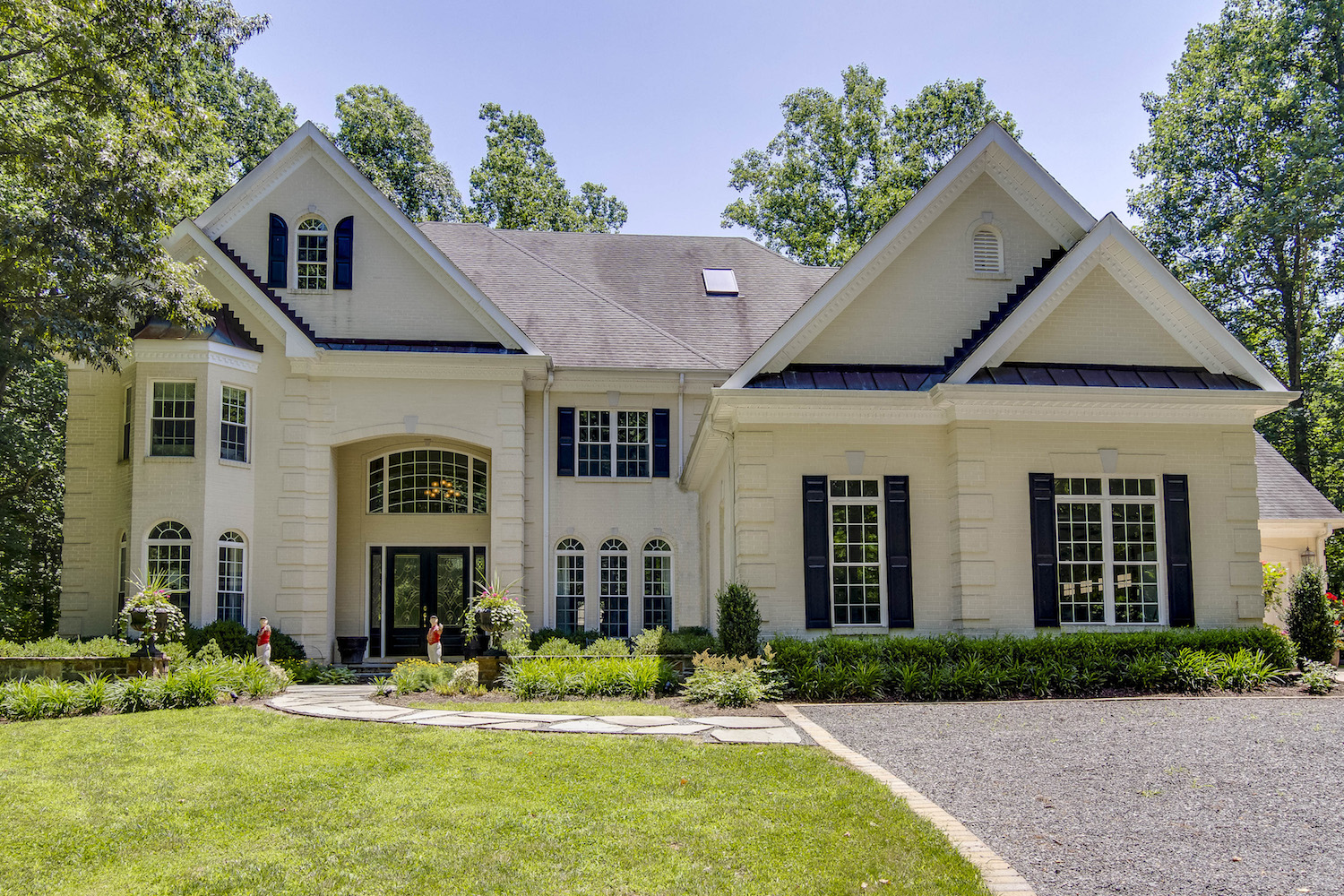 Home of the Week: Luxury estate with two-story foyer