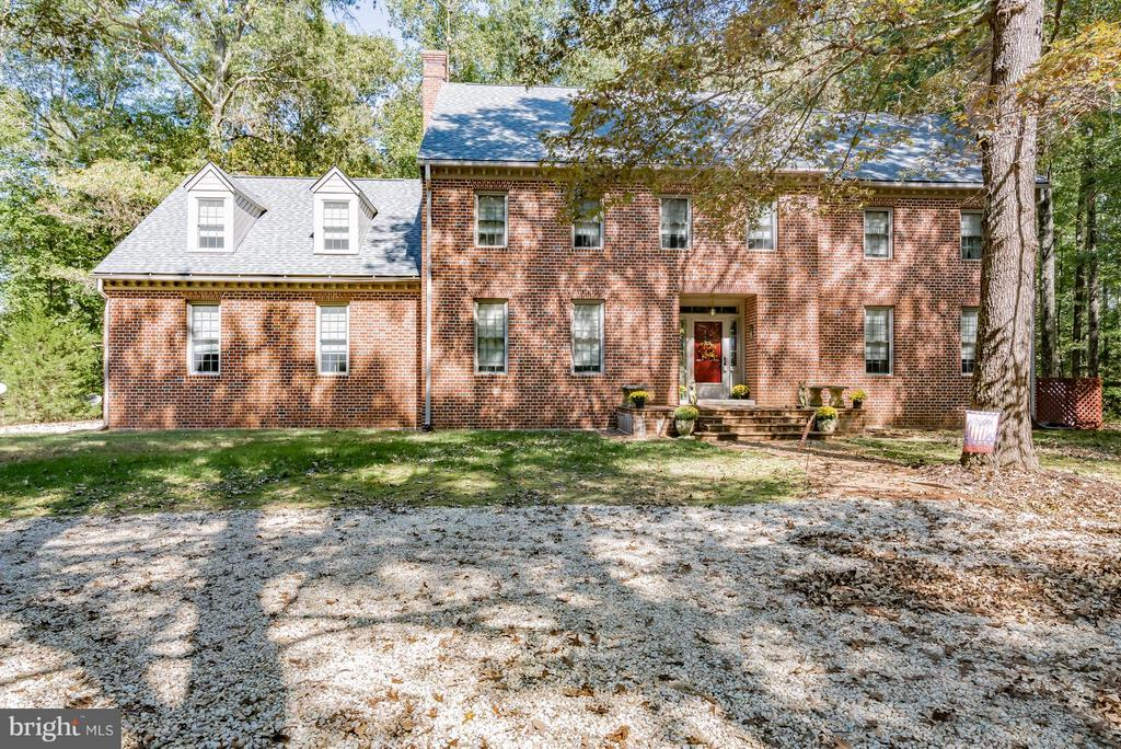 Home of the Week: Williamsburg Inspired Brick Colonial