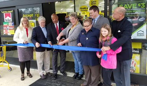 Big crowd for Dollar General opening in Dawn