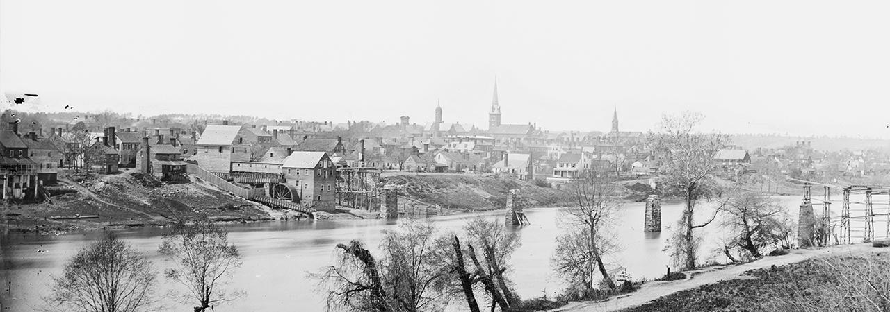 December 1862.   Fredericksburg is on the eve of war