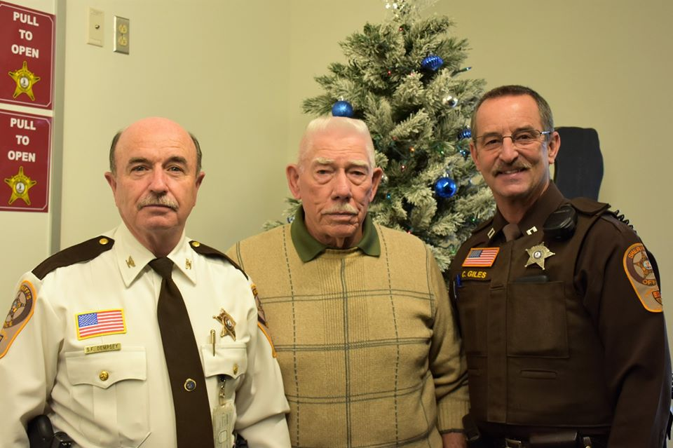 Saying thank-you to Sheriff Dempsey