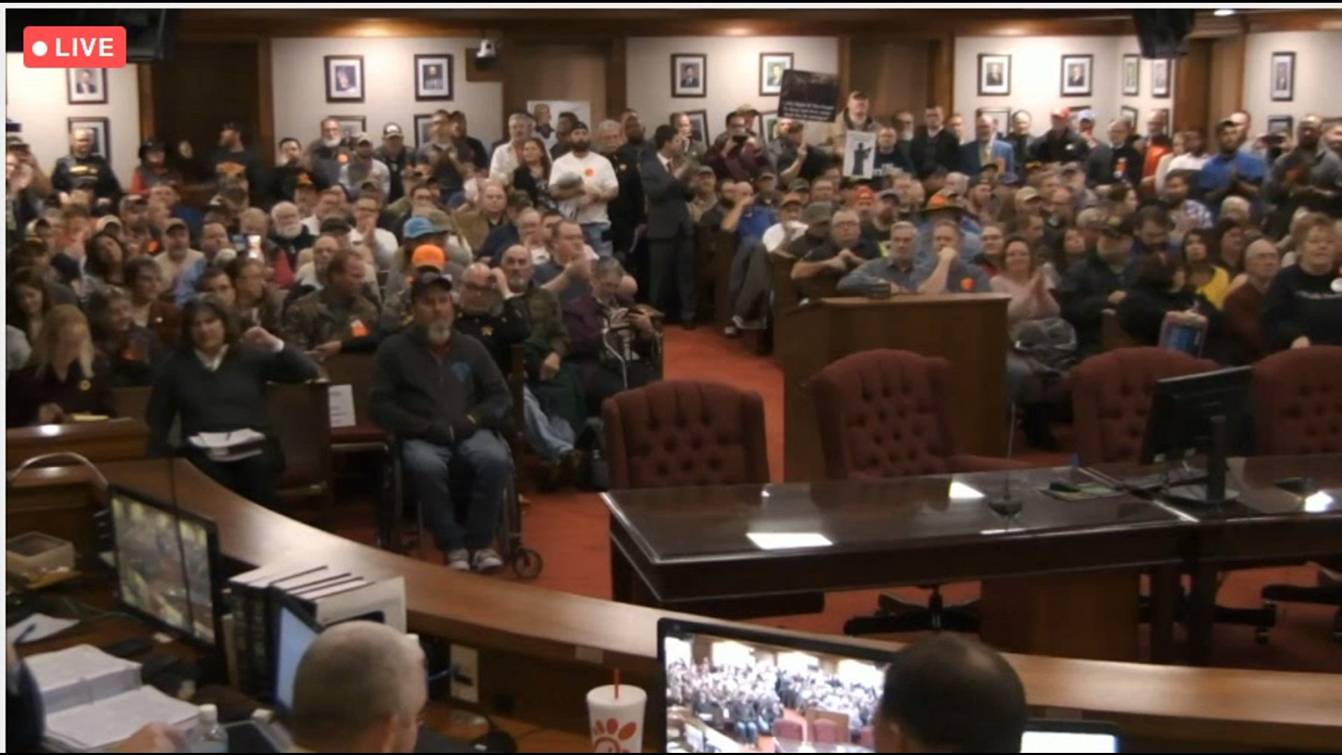 Big crowd in Spotsy in favor of Second Amendment sanctuary status